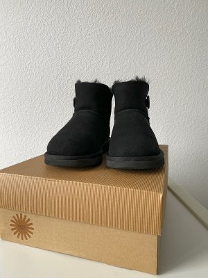 Schwarze Ugg Boots Mini Bailey Button, Gr. 37