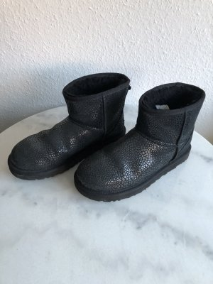 Schwarze UGG Stiefel Schuhe Glanz