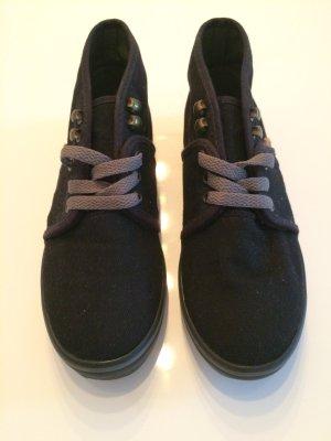 Schwarze Vans Sneakers mit dem gewissen etwas - kein 08/15 Sneaker