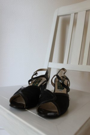 Schwarze Vintage-Riemchen-Sandaletten