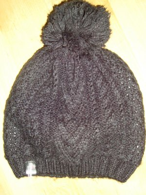 Schwarze warme Mütze