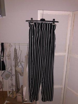 Schwarze weiße Hose