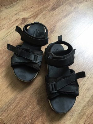 Schwarze/Weiße Skechers Sandalen