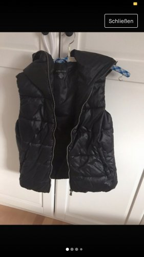 New Yorker Chaleco con capucha negro