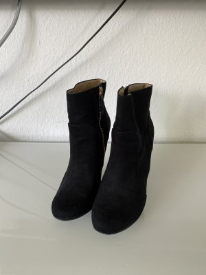 Schwarze Wild Leder Absatz Zara Stiefeletten