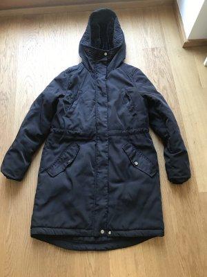 Schwarze Winterjacke mit Kapuze H&M Größe 36