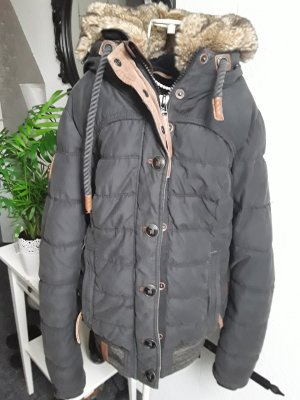 Schwarze Winterjacke von Naketano