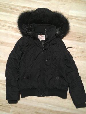 Schwarze Winterjacke von QS