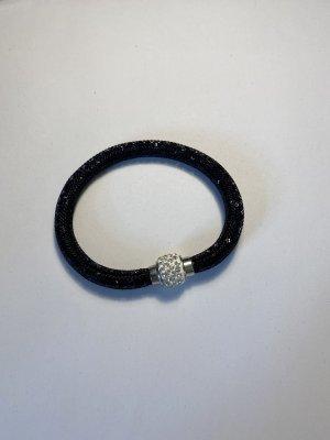 Schwarzer Armband