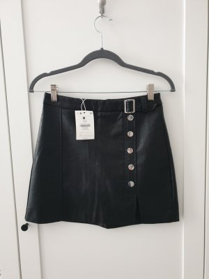 Bershka Spódnica z imitacji skóry czarny-srebrny