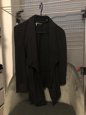 Schwarzer Blazer mit Gürtel