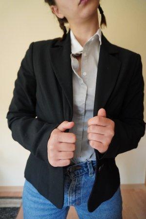 Schwarzer Blazer mit Schulterpolstern