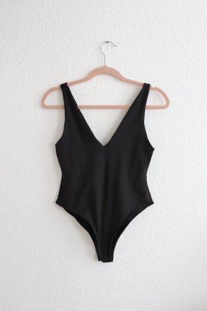 Schwarzer Body von Zara Größe M L mit V-Ausschnitt