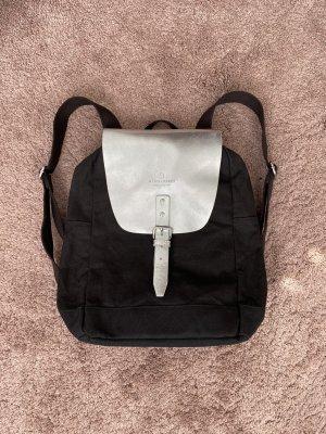 Schwarzer Canvas Rucksack von Wind & Vibes Flap Silber Leder