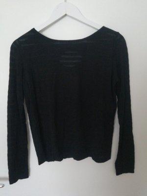 schwarzer dünner Pullover