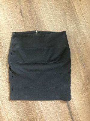 Amisu Ołówkowa spódnica czarny-srebrny