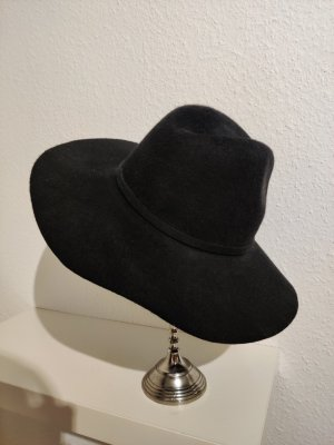 Zara Woolen Hat black cotton