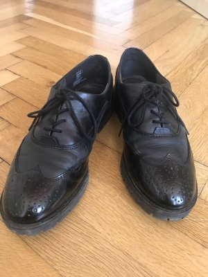 Tamaris Wingtip Shoes black