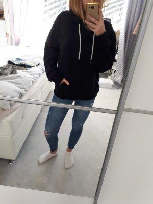 Schwarzer Hoodie