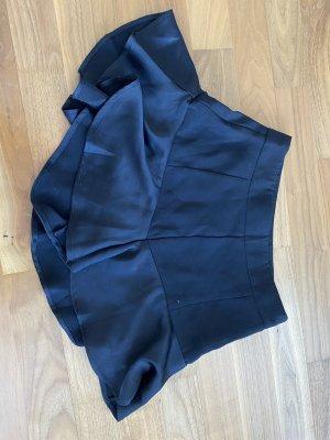 schwarzer Hosenrock