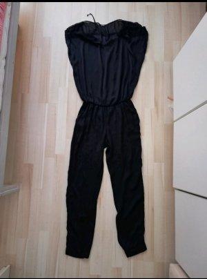 schwarzer Jumpsuit von Mötivi