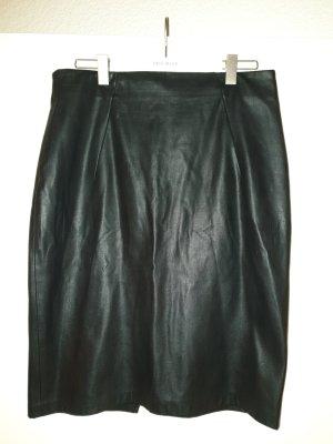 Schwarzer Kunstlederrock von Zara