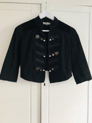 Schwarzer kurzer Blazer mit Knopfleiste