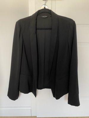 Schwarzer kurzer Blazer mit lockerem Schnitt von New Look