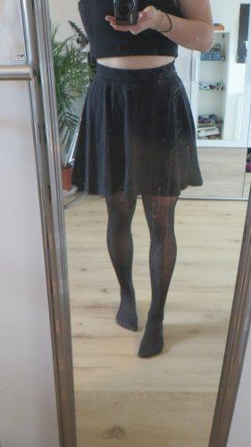 Schwarzer kurzer Rock