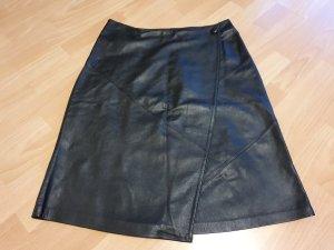 Schwarzer Leder-Wickelrock