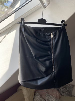 schwarzer Lederrock