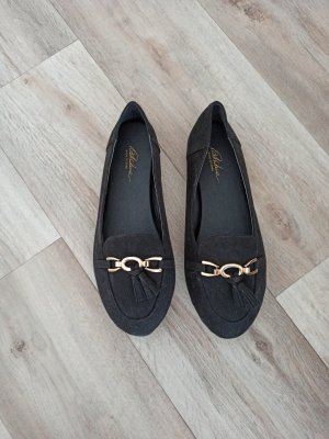 Schwarzer Loafers