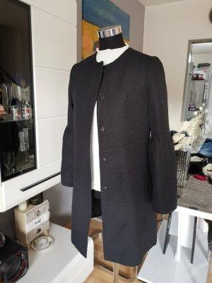 Schwarzer Mantel von H&M, Must Have