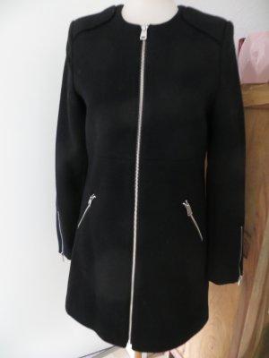 Schwarzer Mantel von Pimkie