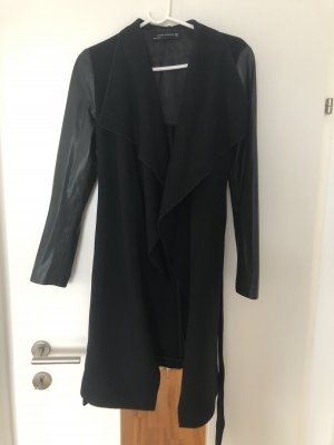 Schwarzer Mantel von Zara, Größe M