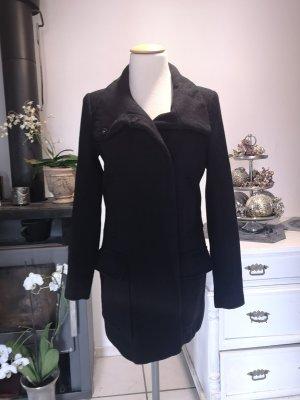 Schwarzer Mantel von Zara tailliert GR S figurbetont Wollmantel Wolle Mantel Wintermantel lang Midi