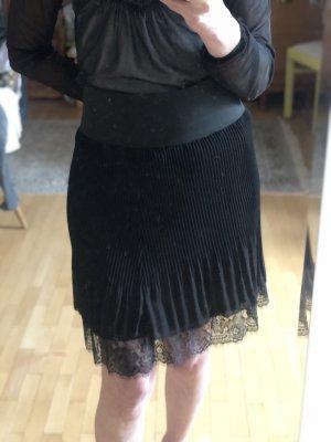 Plisowana spódnica czarny