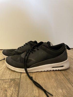 schwarzer Nike Air Max Thea