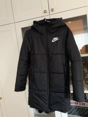 Schwarzer Nike Wintermantel