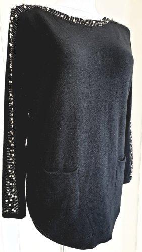 Schwarzer oversize Pulli mit Perlenbesatz