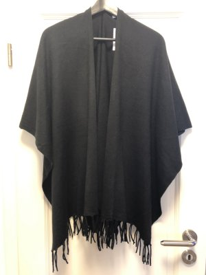 C&A Cape black polyacrylic