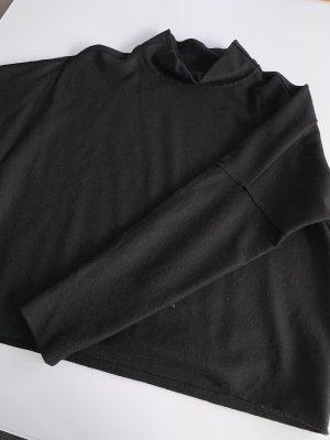 Schwarzer Pullover Größe 38 von Turnover