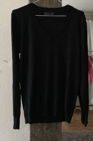 Schwarzer Pullover von ZARA