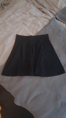 H&M Divided Rozkloszowana spódnica czarny