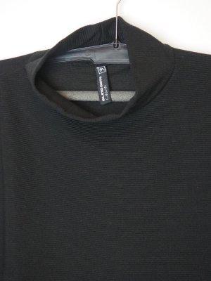 Blind Date Turtleneck Sweater black
