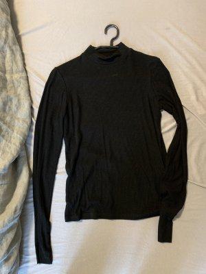 Schwarzer Rollkragenpullover von Zara