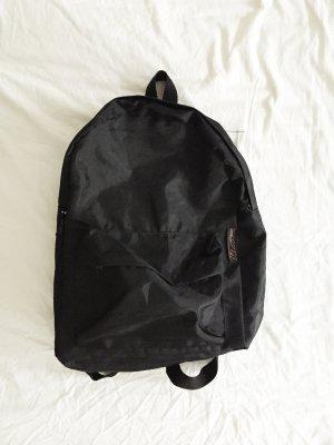 Schwarzer Rucksack aus glänzendem Stoff