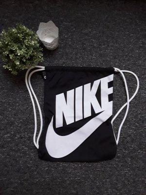 Schwarzer Rucksack von Nike