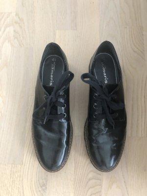 Schwarzer Schnürschuh