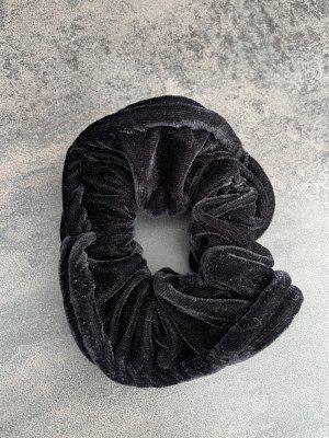 Schwarzer Scrunchie groß
